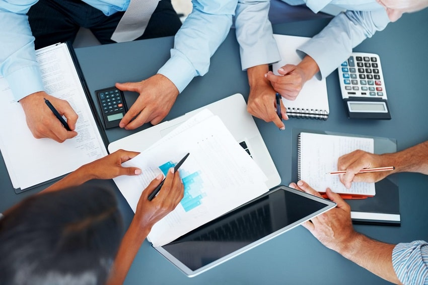 roles and responsibilities of a managerial accountant